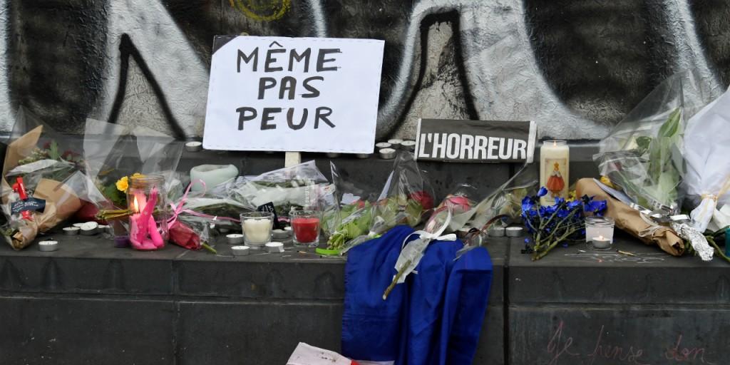 Attentats-a-Paris-les-images-du-recueillement